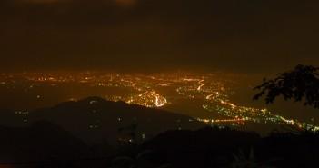 溫家茶園夜景